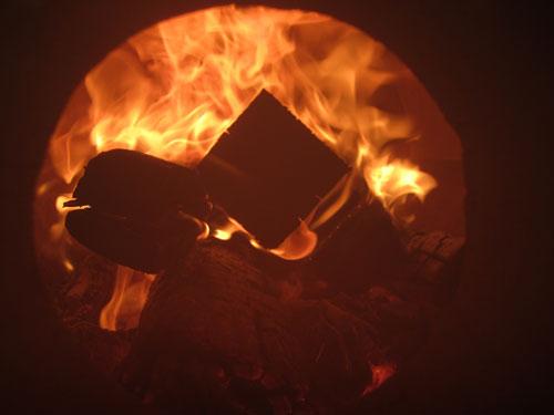薪で沸かす